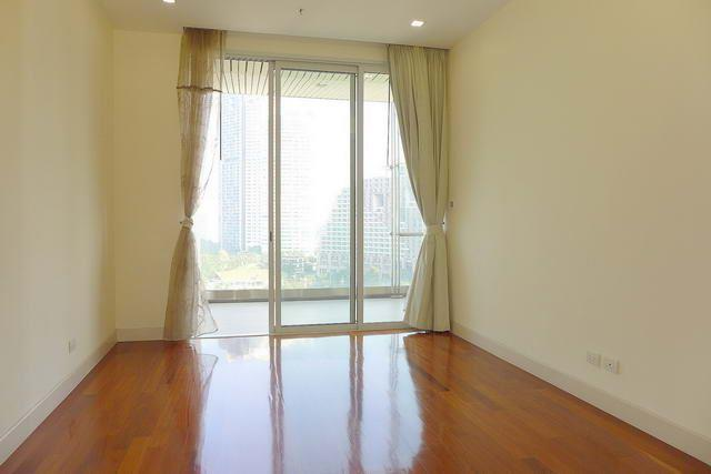 Condominium for sale Wong Amat showing the bedroom