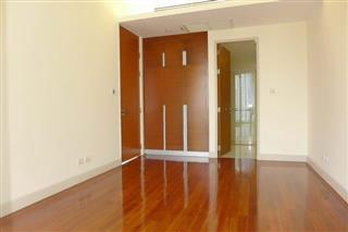 Condominium for sale Wong Amat showing the built-in wardrobes