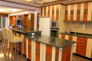 Condominium for sale Ban Amphur showing the kitchen
