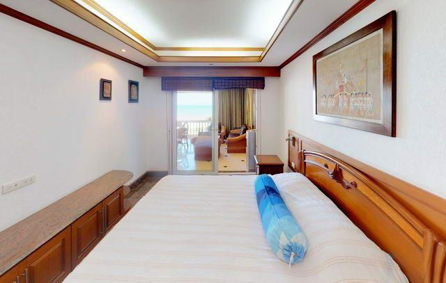 Condominium for sale Ban Amphur showing the second bedroom