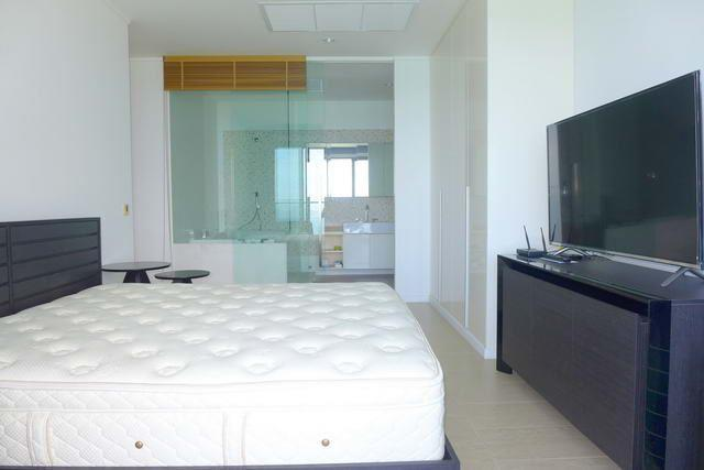Condominium for sale Wong Amat showing the master bedroom suite