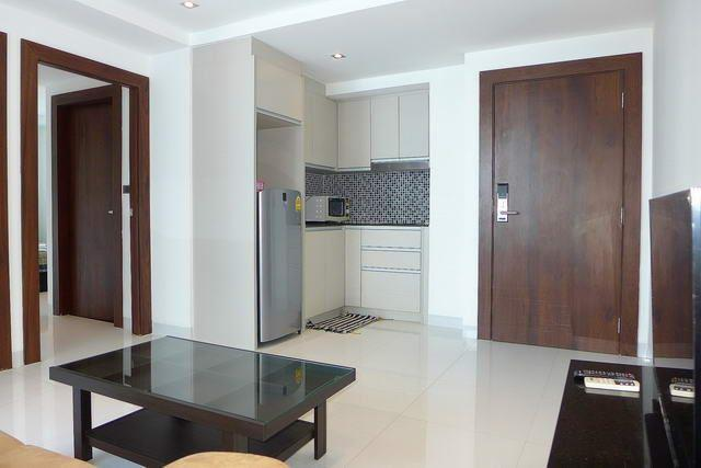 Condominium for sale Wongamat showing the kitchen