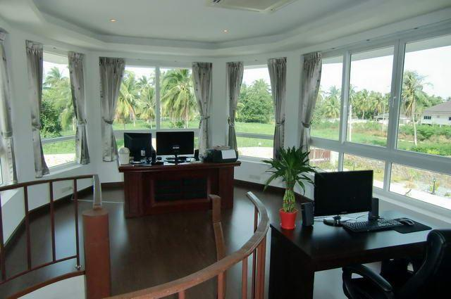 House for sale Na Jomtien showing the multi-purpose room