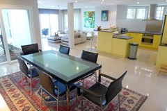 Condominium for rent Naklua showing the dining area and kitchen