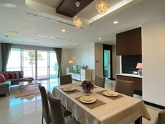 Condominium for rent Naklua Ananya showing the dining area
