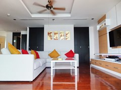 Condominium for rent Ananya Naklua showing the living area