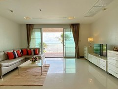 Condominium for rent Naklua Ananya showing the living room
