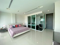 Condominium for rent Naklua Ananya showing the master bedroom suite