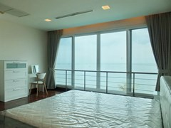 Condominium for rent Ananya Naklua showing the master bedroom and sea view