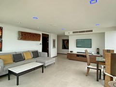 Condominium for rent in Northshore Pattaya Beach showing the living room