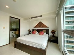 Condominium for rent in Northshore Pattaya Beach showing the master bedroom suite