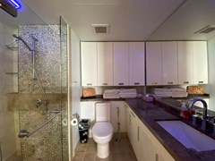 Condominium for rent in Northshore Pattaya Beach showing the second bathroom