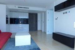 Condominium for rent Pattaya showing the open plan
