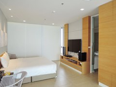 Condominium For Rent Northpoint Pattaya showing the second master bedroom