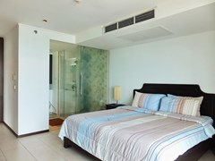 Condominium for rent in Northshore Pattaya showing the master bedroom suite