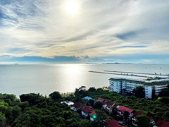 Condominium for sale Ban Amphur showing the sea view