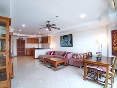 Condominium for sale Jomtien showing the dining, living and kitchen areas