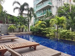 Condominium for sale Pattaya showing the terraces and swimming pool