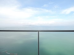 Condominium for sale Womgamat Beach Pattaya showing the balcony view