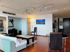Condominium for sale Northshore Pattaya showing the open plan concept