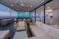 Condominium for sale Pratumnak Pattaya showing the covered terraces