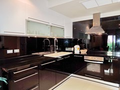 Condominium for sale Pratumnak Pattaya showing the kitchen