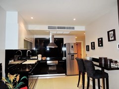 Condominium for sale Pratumnak Pattaya showing the kitchen and dining areas