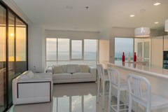 Condominium for sale Pratumnak Pattaya showing the living area
