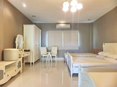 Golf Resort for sale Pattaya area showing Apartment #1