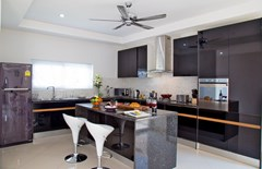 House For Sale Huay Yai showing the kitchen area