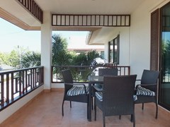 House for rent East Pattaya showing the second bedroom balcony