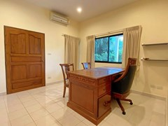 House for rent East Pattaya showing the office / fifth bedroom suite