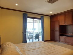 House for rent East Pattaya showing the second bedroom with built-in wardrobes