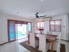 House for rent Jomtien Beach showing the dining area