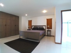House for rent Jomtien Beach showing the master bedroom