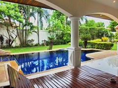 House For rent Jomtien Park Villas Pattaya showing the covered terrace and pool