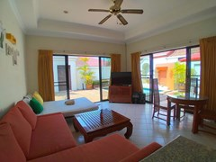 House for rent Jomtien showing the living room pool view