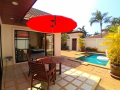 House for rent Jomtien showing the terrace and pool
