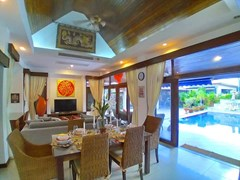 House for rent Mabprachan Pattaya showing the dining and living areas