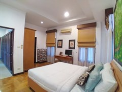 House for rent Mabprachan Pattaya showing the second bedroom suite