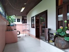 House for rent Mabprachan Pattaya showing the utility area
