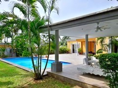 House for rent Pattaya at Siam Royal View showing the house, pool and sala