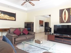 House for rent Pattaya at Siam Royal View showing the living, dining and kitchen areas