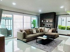 House for rent South Pattaya showing the living room
