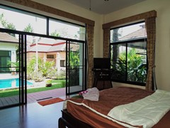 House for rent Pattaya showing the third bedroom look toward to the pool