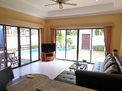 House for rent View Talay Villas Jomtien Pattaya showing the living room pool view