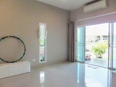 House for sale Huay Yai Pattaya showing the living area and entrance