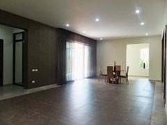 House for sale Huay Yai Pattaya showing the open plan living room