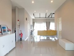 House for sale Huay Yai Pattaya showing the living area concept