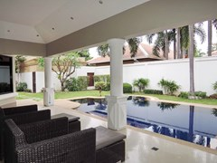 House For Sale Jomtien Park Villas Pattaya showing the terrace and pool